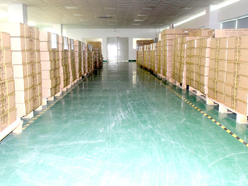 VS22-Pallets of products